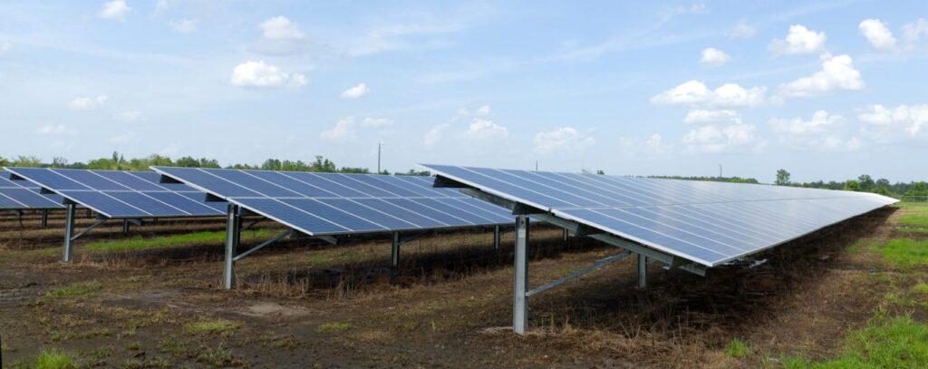 Photovoltaic-Power-Station-Glynn-Co-GA-US-by-Jud-McCranie-Wikipedia