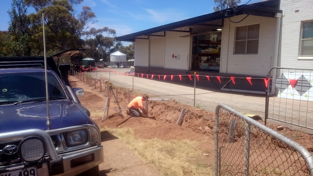 Craig Driver puts in retaining wall between Nutrien and Post Office