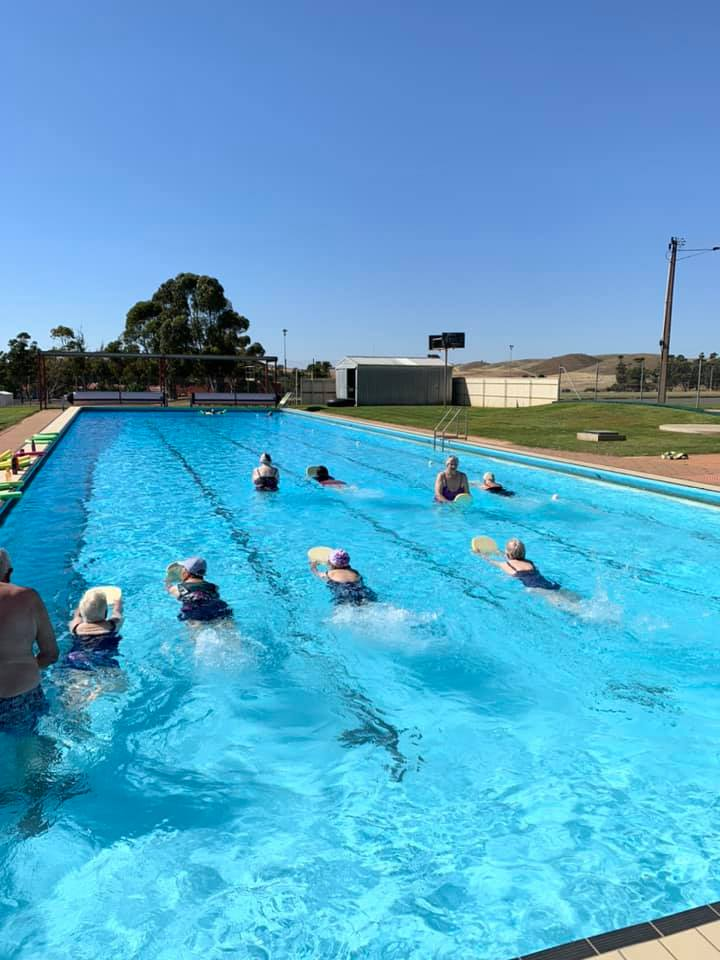 Morning Swim Session 24 degrees at the Eudunda Pool 10th Nov 2020