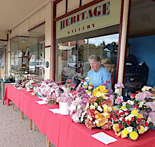 Heritage Gallery Holds Successful Mother's Day Flower Stall