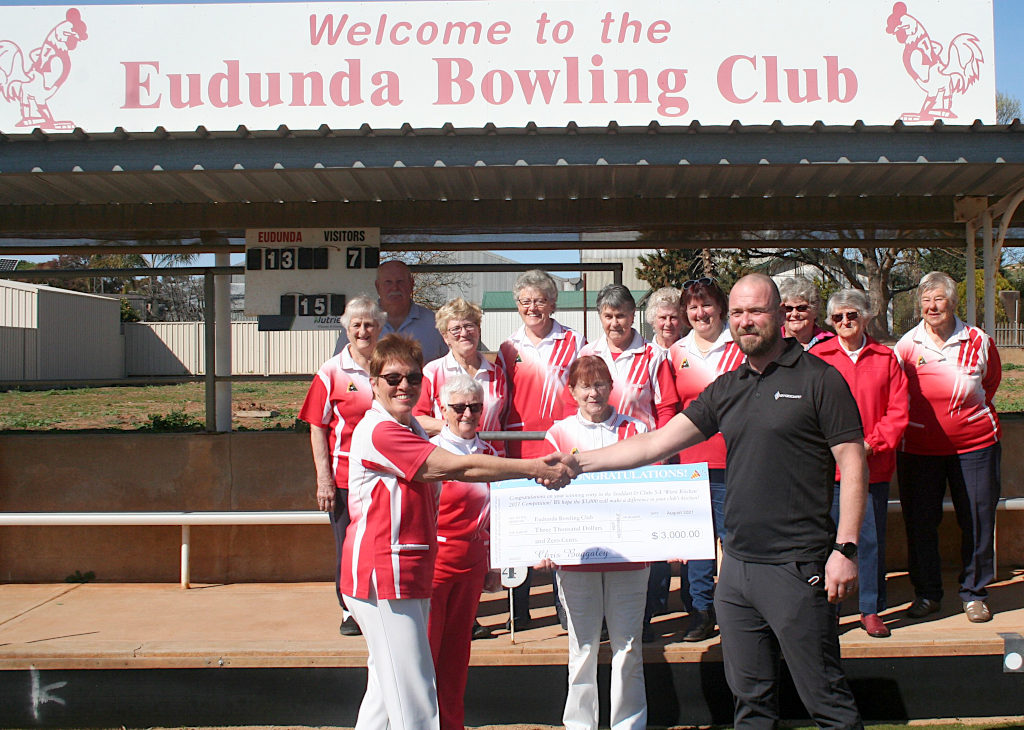 Eudunda Bowls Club - Chris  Baggaley and our wonderful Catering Ladies (and Bill in the background)