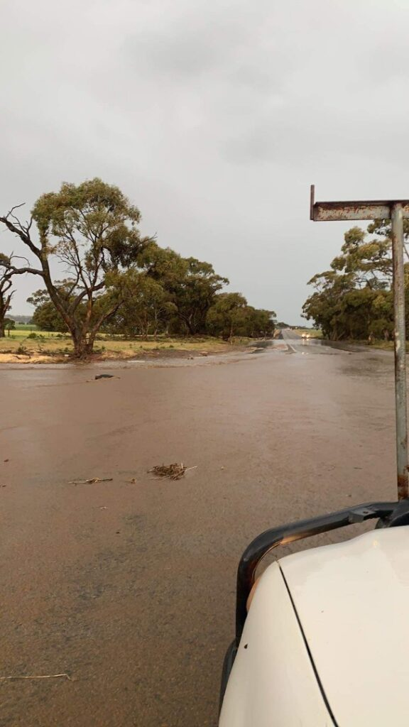 Flooding corner of Eudunda - Truro road and Smith Road from Susan Moore
