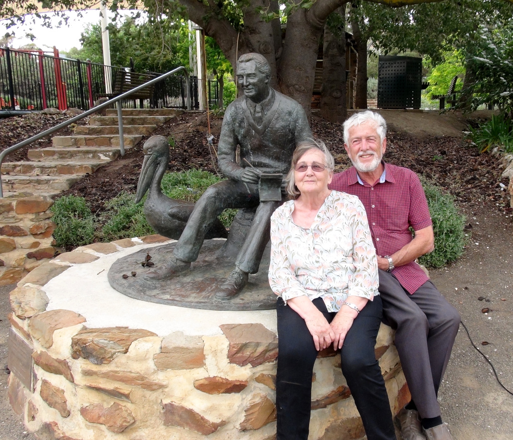 Janne & Jeff Minge with the Colin Thiele Sculpture on Colins 100th Birthday Anniversary Photo - Peter Herriman
