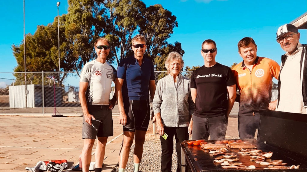 Laine DC Group with Pat Quick at Manoora M2C First Group to Ride Sth to North -April 2021