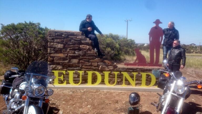Motorbike Travel-log Writer & Mates Enjoy Eudunda Entrance Gustav & His Dog Icons