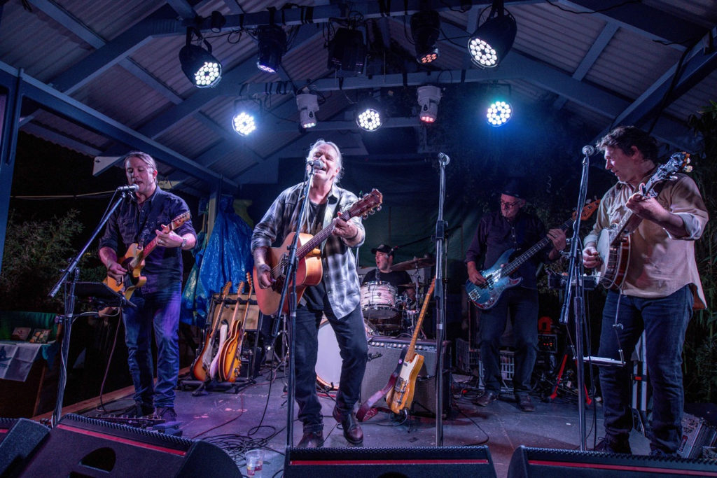 The Barn at Wombat Flat presents Kevin Bennett and the Flood